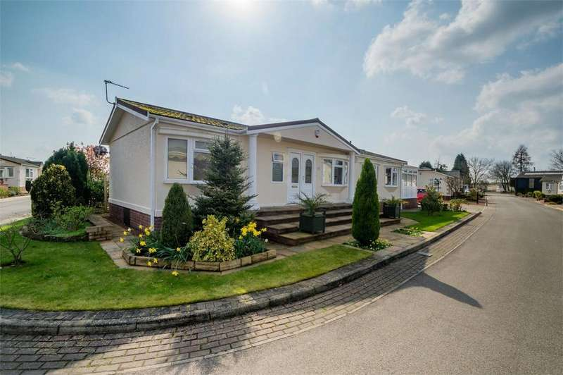 2 Bedrooms Park Home Mobile Home for sale in The Willows, Acaster Malbis, YORK
