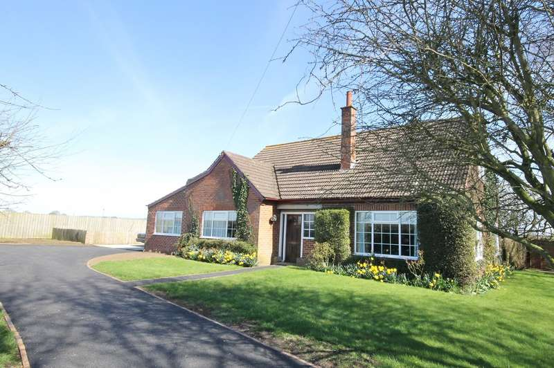 3 Bedrooms Detached Bungalow for sale in Thorpefield, Thirsk YO7 3HH