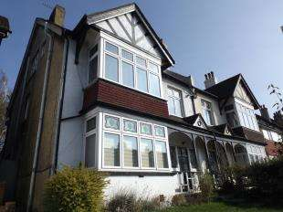 2 Bedrooms Flat for sale in Mayfield Road, South Croydon, .