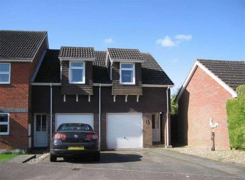 2 Bedrooms Flat for sale in Wivelsfield, Eaton Bray