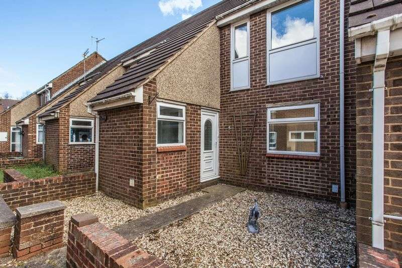 3 Bedrooms Terraced House for sale in Manton Street, Swindon, Wiltshire, SN2