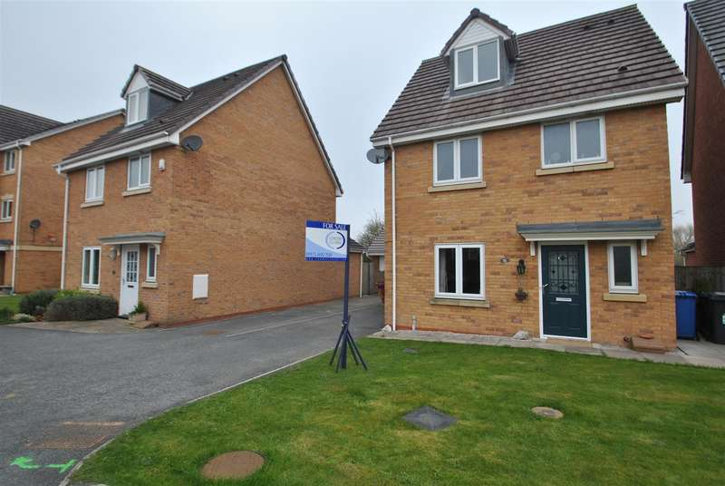 4 Bedrooms Property for sale in Ferryside,THELWALL, Warrington, WA4