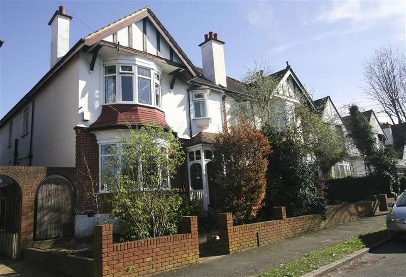 4 Bedrooms Property for sale in Penwortham Road, Sanderstead, South Croydon, Surrey