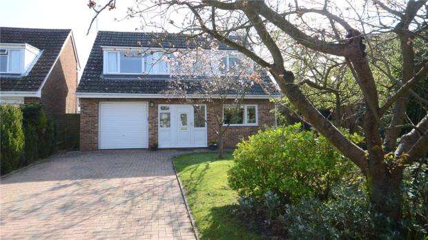 3 Bedrooms Detached House for sale in Pheasant Close, Winnersh, Wokingham
