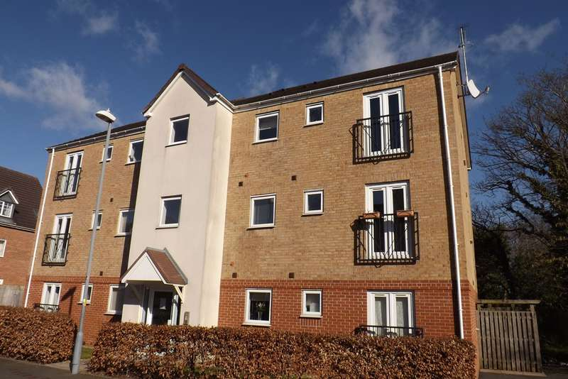 2 Bedrooms Flat for sale in Balmoral Way, Birmingham