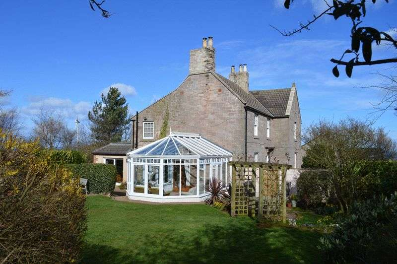 5 Bedrooms Detached House for sale in Conundrum Farmhouse, Berwick-Upon-Tweed