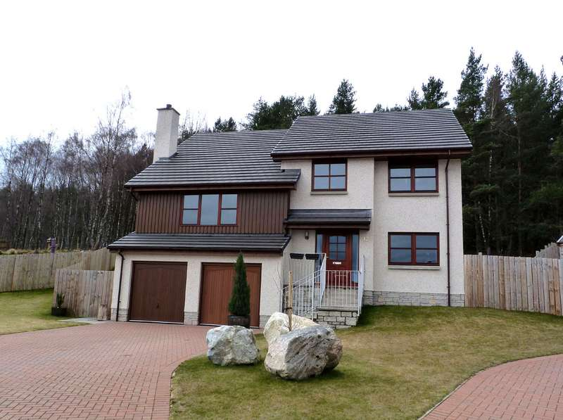 4 Bedrooms Detached House for sale in Aviemore, PH22 1UJ