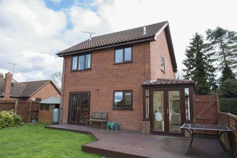 3 Bedrooms Detached House for sale in Field Close, Beyton