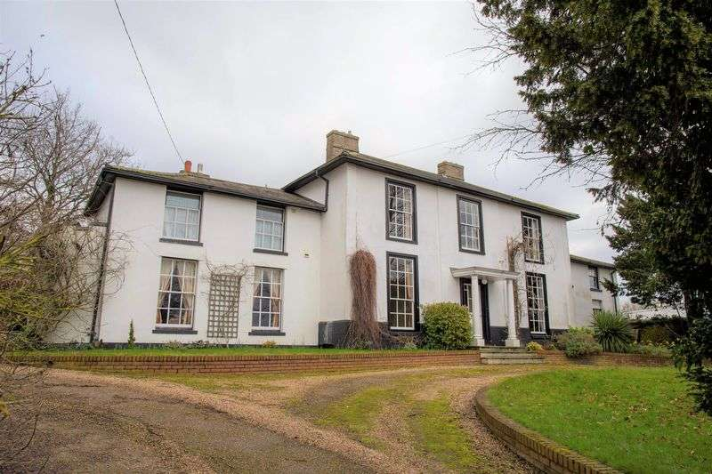 6 Bedrooms Detached House for sale in Diss Road, Scole