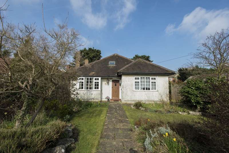 3 Bedrooms Bungalow for sale in St. John's Road, Petts Wood, Kent, BR5