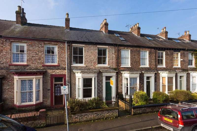 3 Bedrooms Terraced House for sale in Nunthorpe Road, Scarcroft Road, York