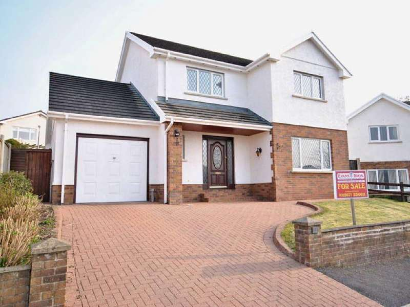 3 Bedrooms House for sale in Penymorfa, Carmarthen, Carmarthenshire