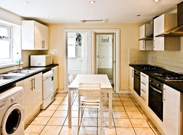 7 Bedrooms Terraced House for rent in Richards Street, Cathays, Cardiff, CF24