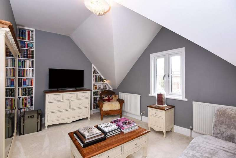 1 Bedroom Flat for sale in Canfield Place, South Hampstead, NW6
