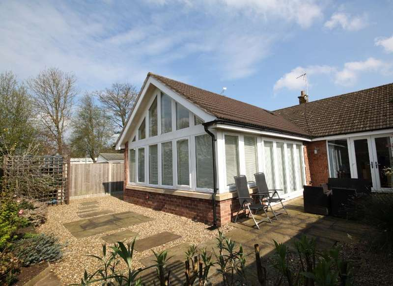 3 Bedrooms Semi Detached Bungalow for sale in Heathfield Road, Audlem