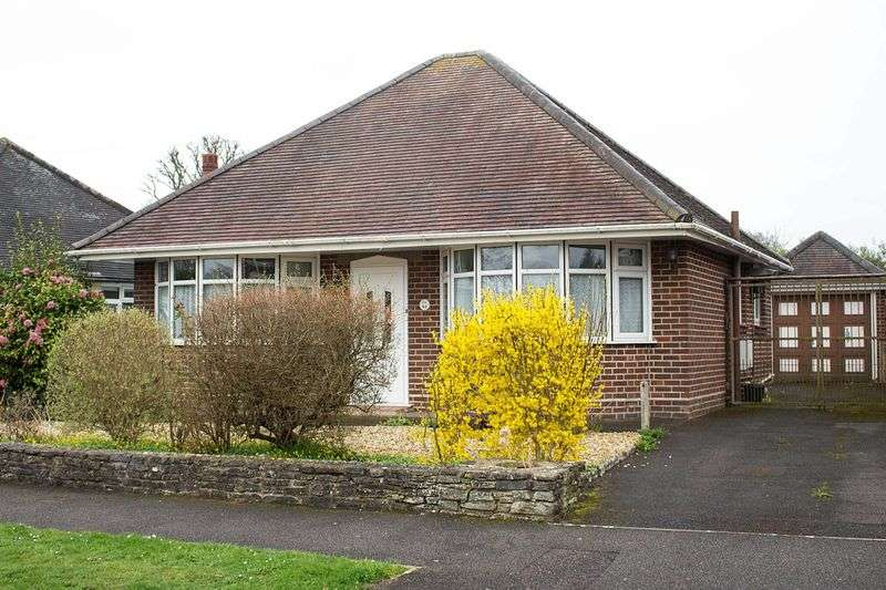 2 Bedrooms Detached Bungalow for sale in Ashurst
