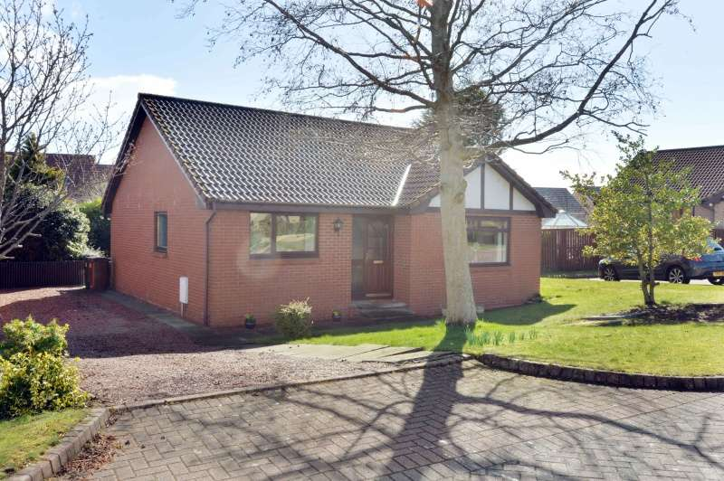 3 Bedrooms Bungalow for sale in Chesters View, Bonnyrigg, Midlothian, EH19 3PU