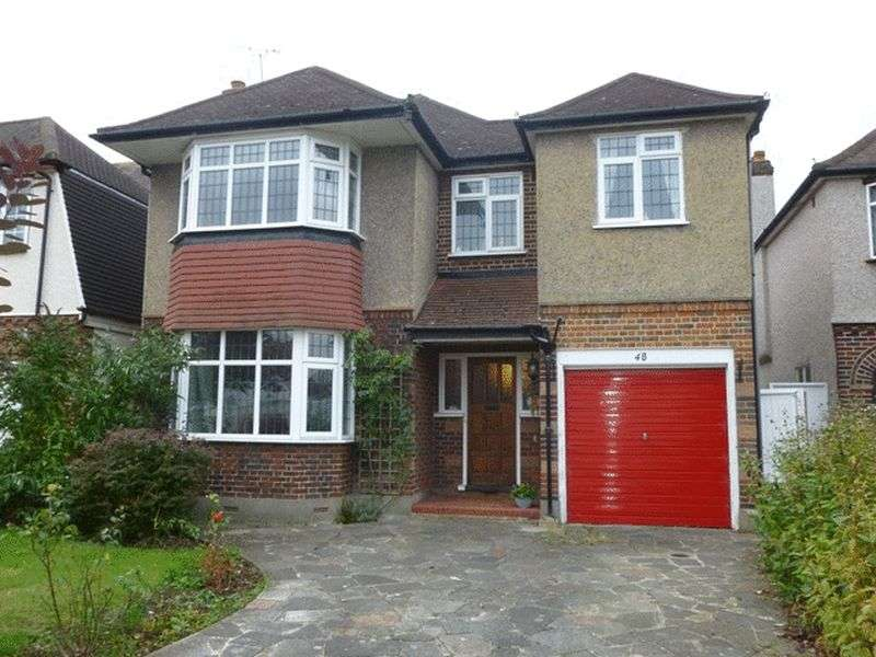 4 Bedrooms Detached House for sale in Situated in South Cheam this spacious four bedroom detached house