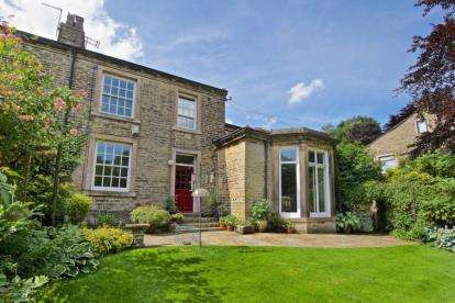 4 Bedrooms House for sale in The Grove, Shelf, Halifax, West Yorkshire