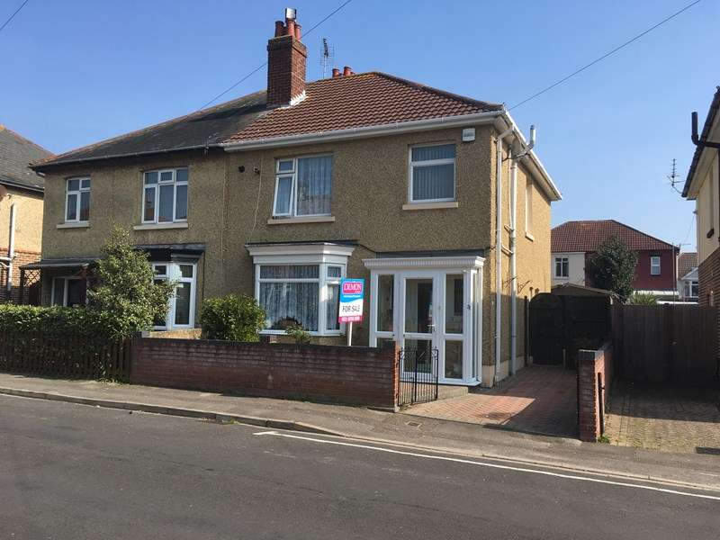 3 Bedrooms Semi Detached House for sale in Molesworth Road, Gosport