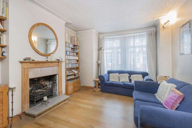 3 Bedrooms Terraced House for sale in Brudenell Road, Tooting Bec