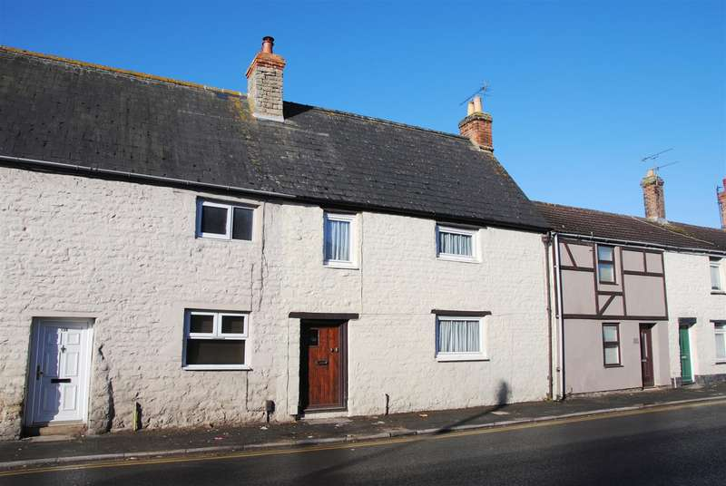 4 Bedrooms Cottage House for sale in Ermin Street, Stratton, Swindon