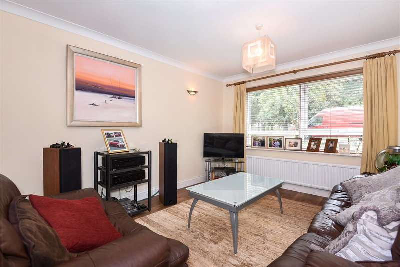 2 Bedrooms Apartment Flat for sale in September Court, Hillingdon Road, Uxbridge, Middlesex, UB10