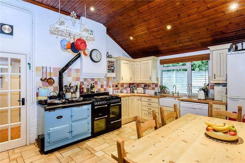 4 Bedrooms Detached House for sale in Grove Place, Winchester, Hampshire, SO22
