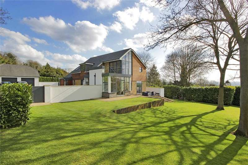 4 Bedrooms Detached House for sale in Russell Road, Aylesford, Kent, ME20