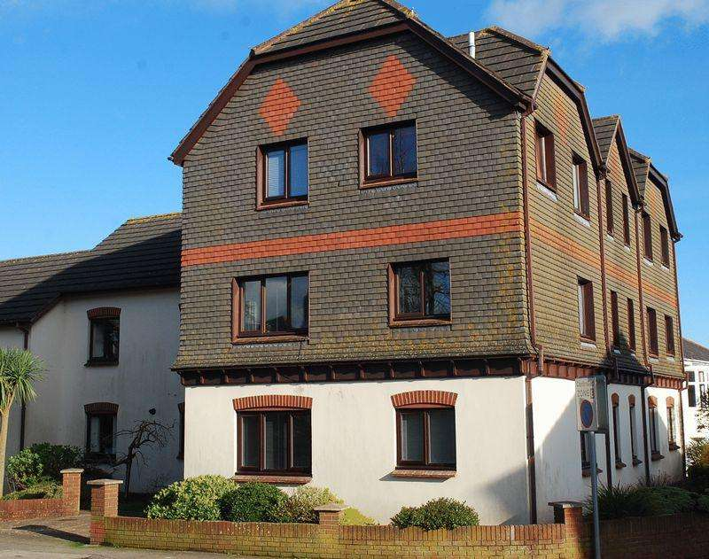 2 Bedrooms Apartment Flat for sale in Cadewell Lane, Torquay