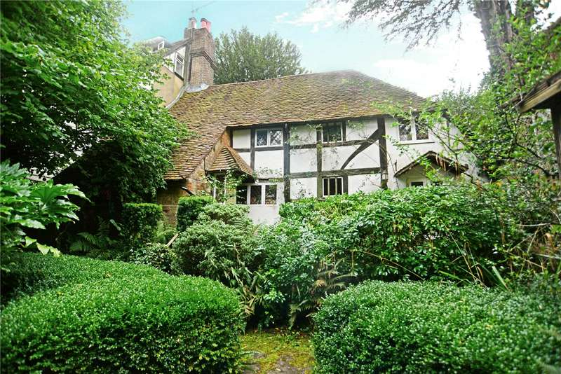 2 Bedrooms Semi Detached House for sale in Lower Street, Haslemere, Surrey, GU27