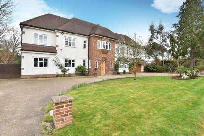 6 Bedrooms Detached House for sale in Sunnydale, Farnborough Park