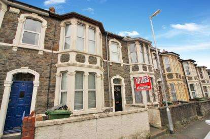 3 Bedrooms Terraced House for sale in Seymour Road, Staple Hill, Bristol
