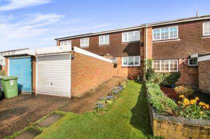 3 Bedrooms Terraced House for sale in Kimptons Mead, Potters Bar, Hertfordshire