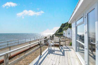 3 Bedrooms Bungalow for sale in Wheelers Bay Road, Ventnor, Isle Of Wight