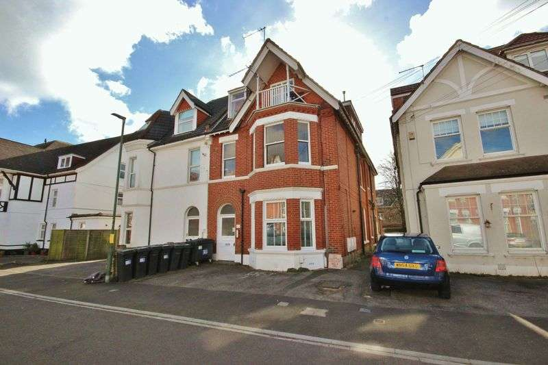 2 Bedrooms Flat for sale in 17 St Johns Road, Boscombe, Bournemouth