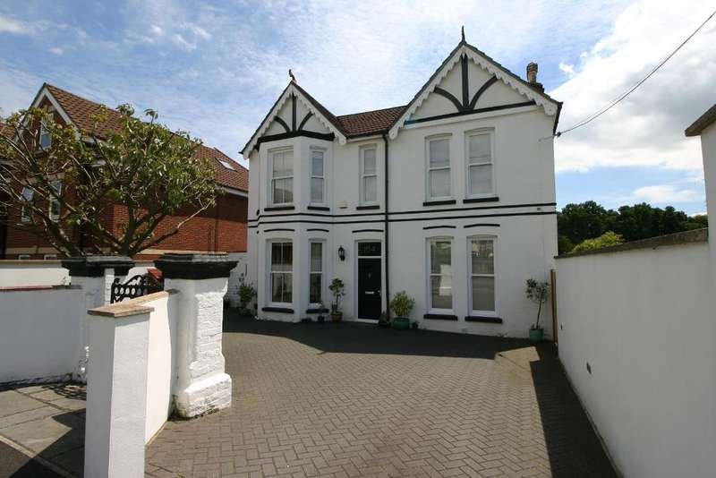 4 Bedrooms House for sale in Station Road, Netley Abbey, Southampton, SO31 5AN