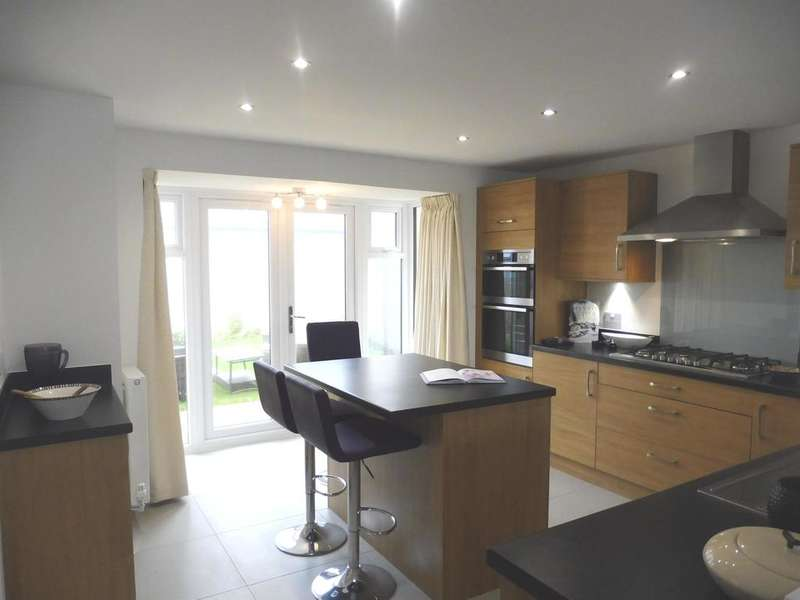 5 Bedrooms Detached House for sale in Main Road, Ogmore-By-Sea, Bridgend