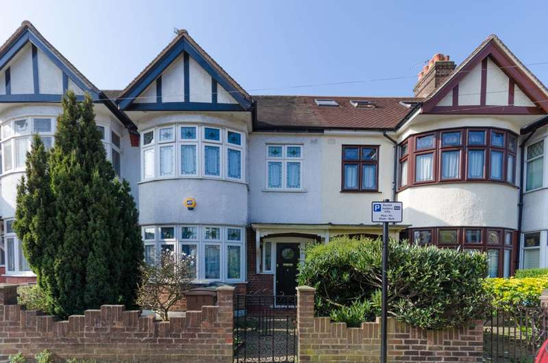 3 Bedrooms Terraced House for sale in Greenway Avenue, Walthamstow, E17