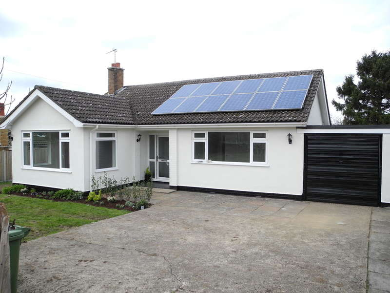 3 Bedrooms Detached Bungalow for sale in Ashdale Drive, Worlingham, Beccles, Suffolk