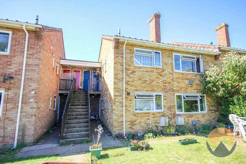 2 Bedrooms Flat for sale in Bancroft Close, Stoke Holy Cross, NR14