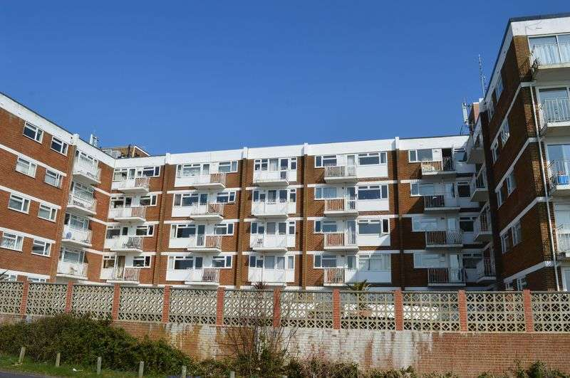 1 Bedroom Flat for sale in Sea Front, Hayling Island