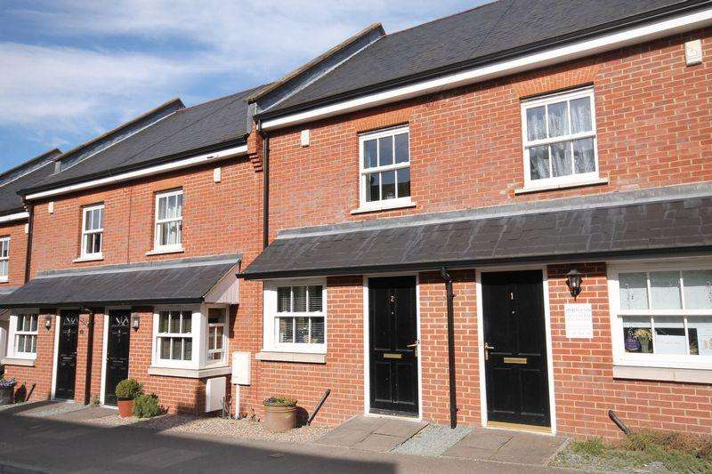 3 Bedrooms Terraced House for sale in Ansell Road, Dorking