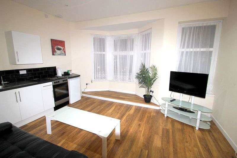 1 Bedroom Studio Flat for rent in Whitchurch Road, Cardiff. CF14 3ND