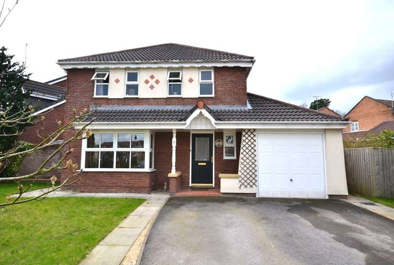4 Bedrooms Detached House for sale in Gritstone Drive, Macclesfield, SK10