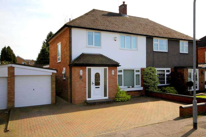 3 Bedrooms House for sale in 3 BED SEMI IN SOUGHT AFTER LEVERSTOCK GREEN !!