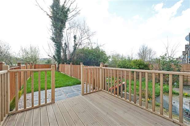 2 Bedrooms Maisonette Flat for sale in Auckland Hill, West Norwood