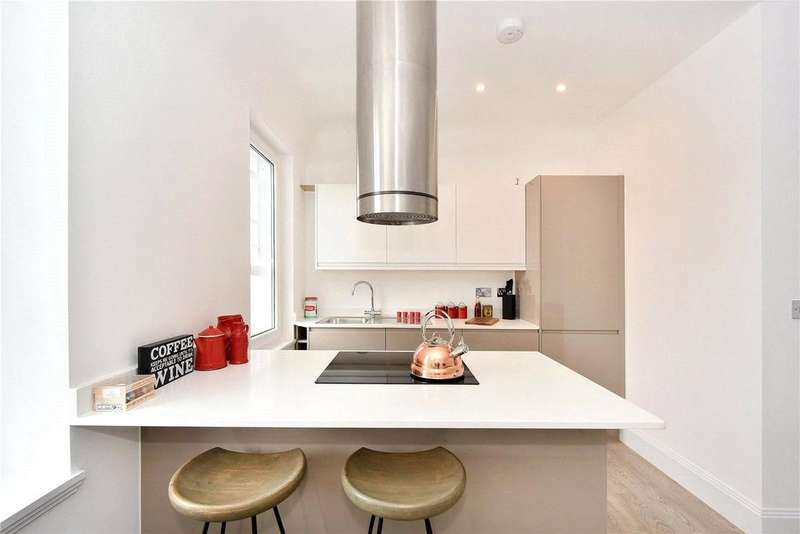 2 Bedrooms Flat for sale in Old Woolwich Fire Station, Woolwich