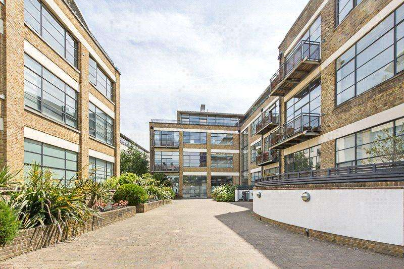 4 Bedrooms Flat for sale in Chiswick Green Studios, 1 Evershed Walk, London, W4