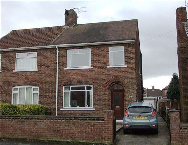 3 Bedrooms Semi Detached House for sale in Newland Drive, Scunthorpe